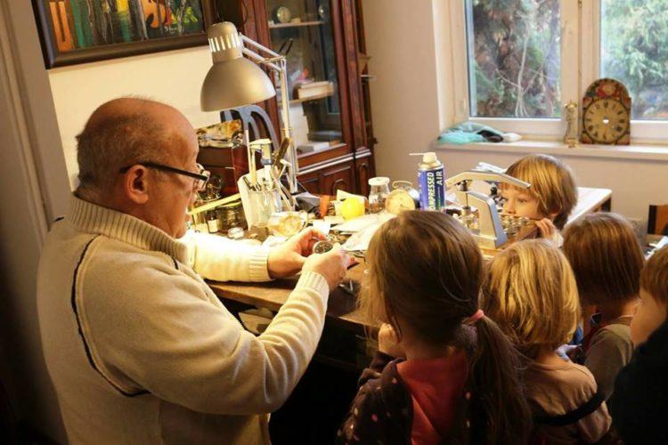 Spotkanie ze sztuką zegarmistrzowską w wydaniu dla najmłodszych.